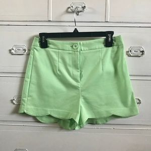 FOREVER 21 / Lime Green Scallop Shorts / SZ M
